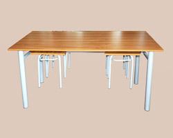 Стол обеденный на м/к с подвесными табуретами (4-х местный) ЛДСП