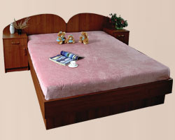 Кровать двуспальная с боковыми тумбами, без матраца